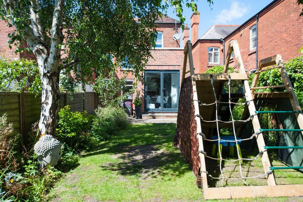 Garden playframe