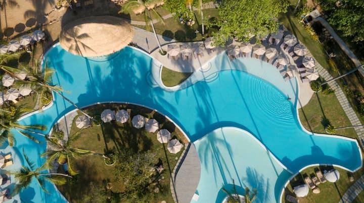 2 bedroom Tropical 5 star pool villa