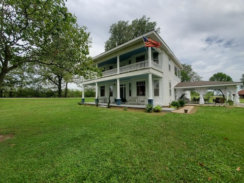 Restored & updated 1914 historical home & grounds