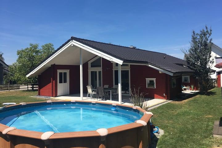 Schwedenhaus mit Sauna und Pool für 2 Personen