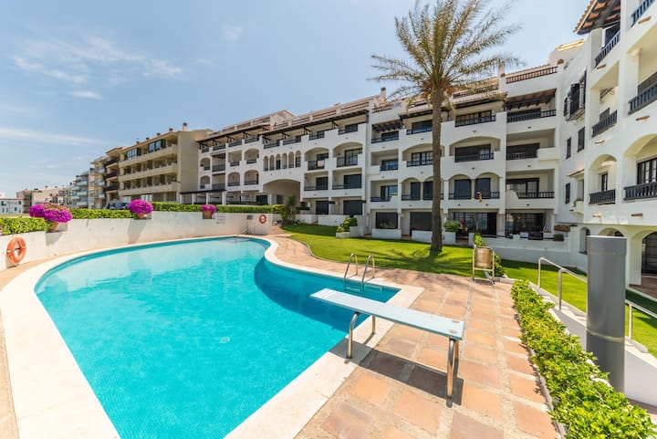 Lucia: Nice apartment with sea view and communal pool