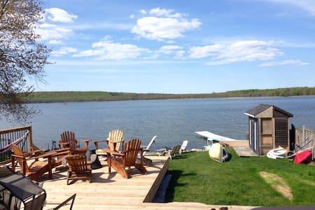 little lake retreat - Barrie