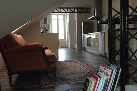 Loft coup de coeur près du Château - Apartment