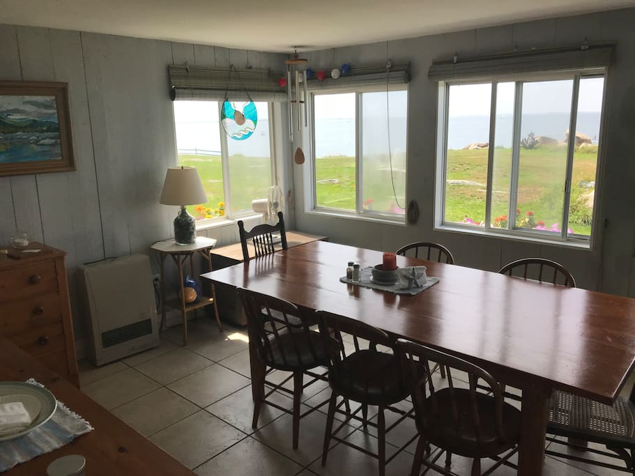 dining area on front porch, overlooks ocean