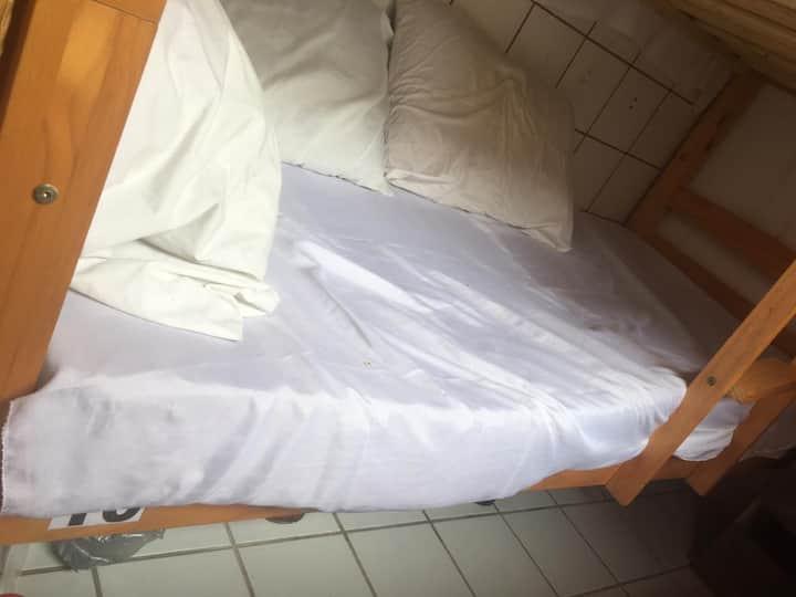 VAGA EM QUARTO COMPARTILHADO- CAMA Nº10
