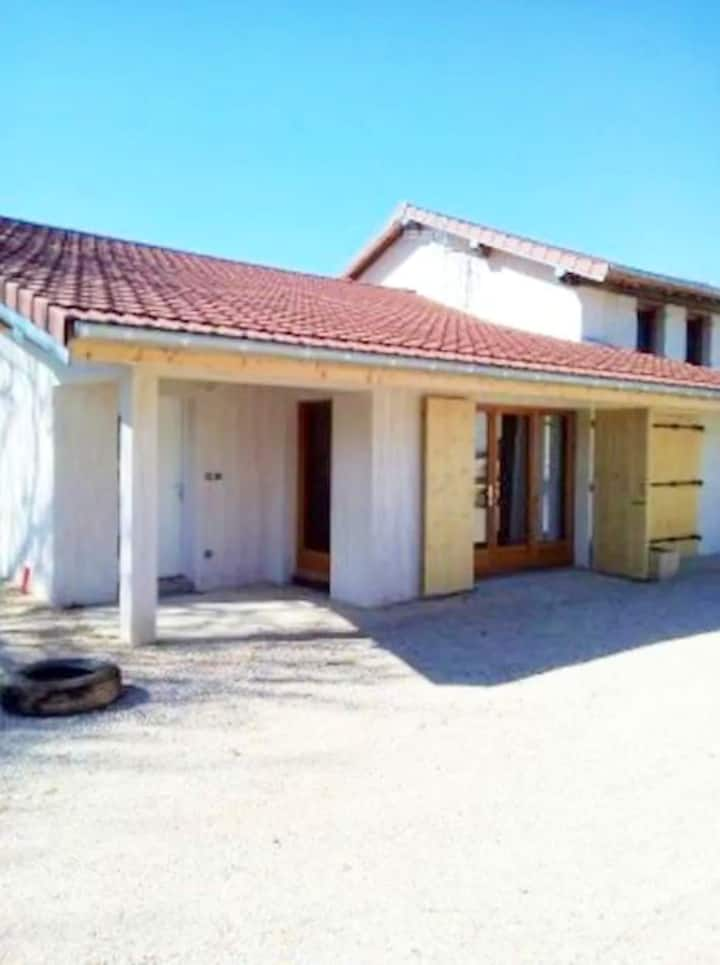 House with 2 bedrooms in Hautecourt-Romanèche, with furnished garden
