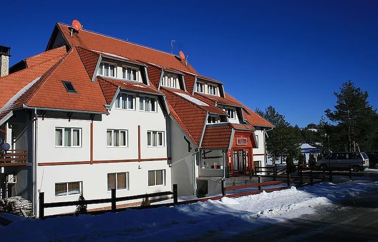 Villa Bob Petošević - Divčibare - Villa