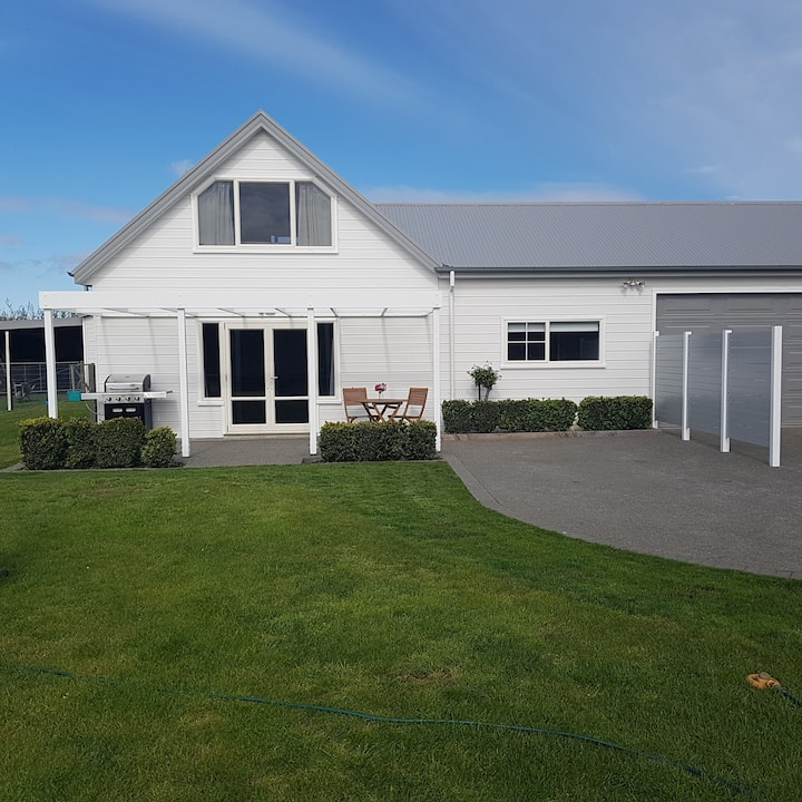 Lovely location. Great outlook.  Havelock North.