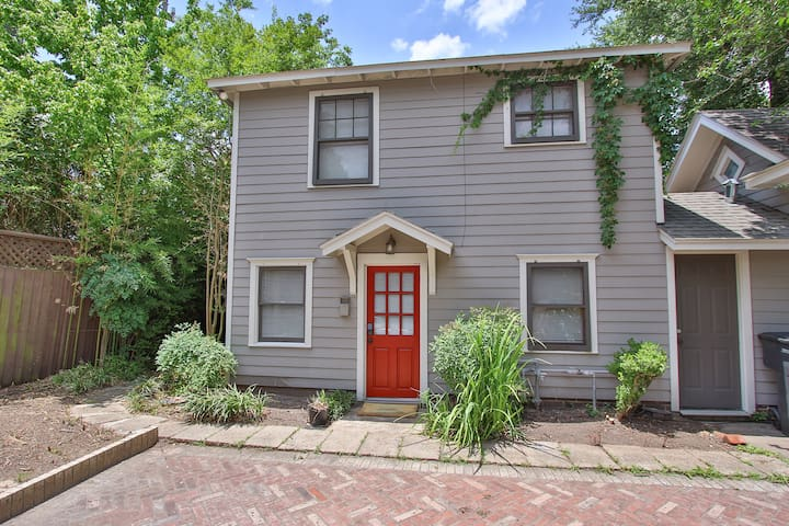 Wonderfully renovated in the Heights with a pool