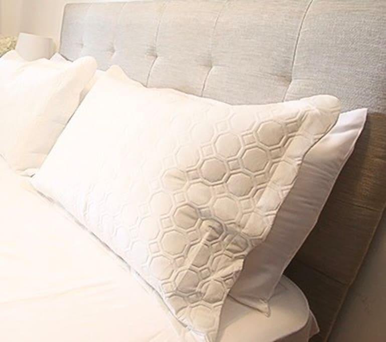 Linea blanca de sabanas y toallas.