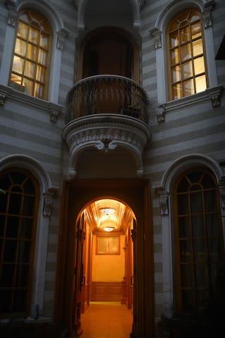 喀什丝域古城堡连廊亭子间豪华大床房