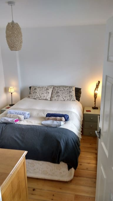 Cosey bedroom with double bed