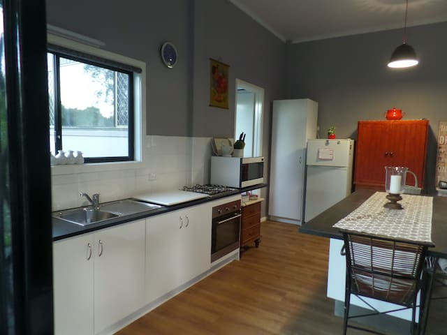 Country living 10 min to Gold Coast - Tallebudgera Valley - Haus
