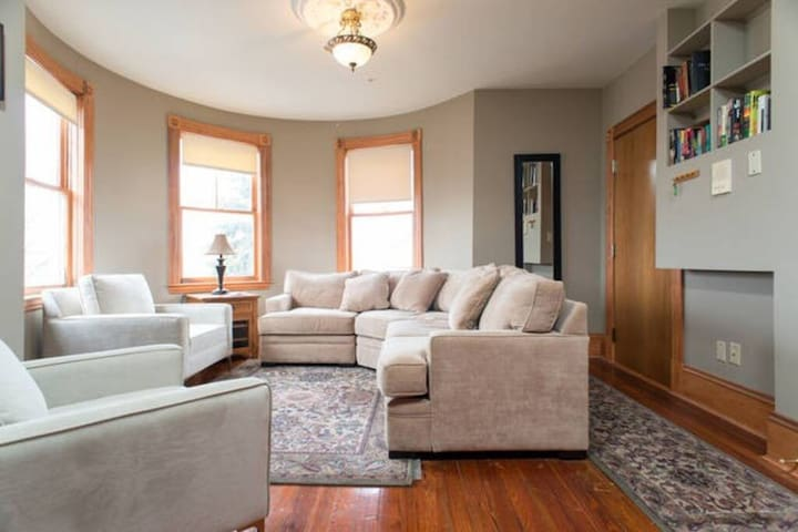 The Mayhew | 2BR 1BA | 3rd Floor