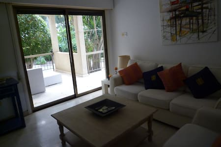 SEA SIDE 2 BedRoom Apartment - Pareklisia - Huoneisto
