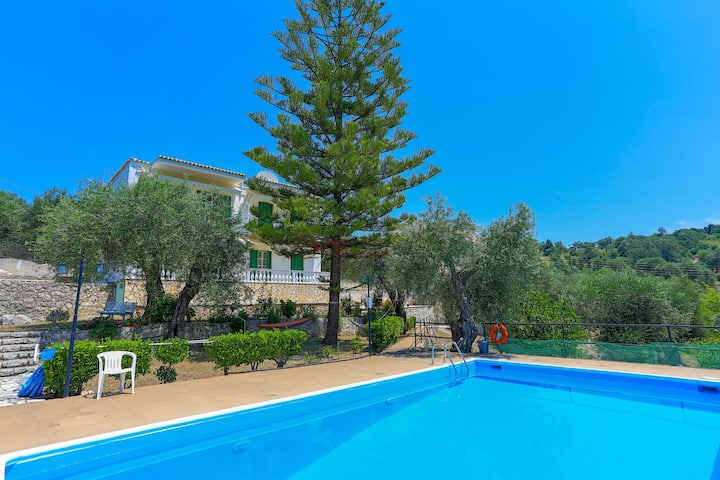 Fragiskos Apt: 2 bedrooms and pool