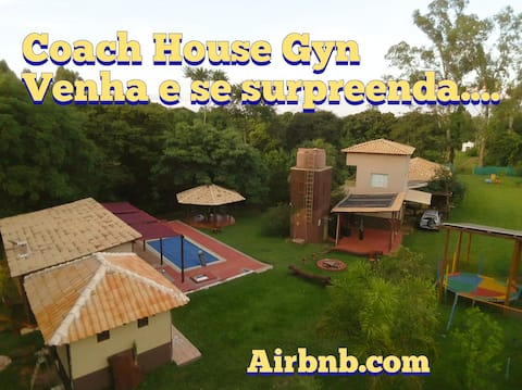 Coach House Gyn-Premium Home Family