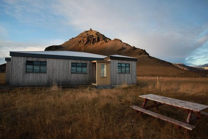 Cosy Home in Arnarstapi Snæfellsnes Peninsula
