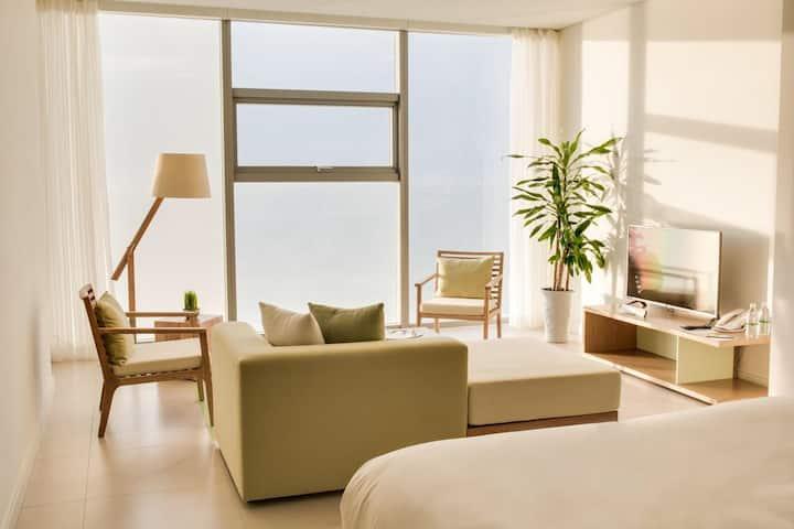 Fusion Suites Apartment - ocean front view