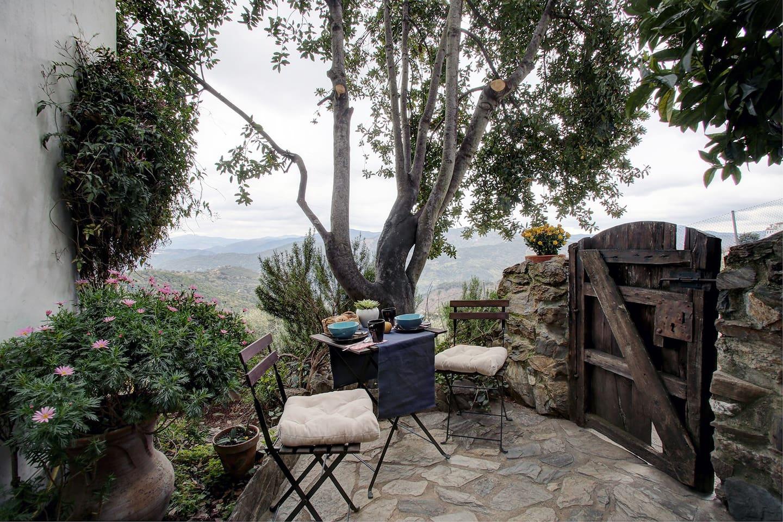 Villa Sila Jardin..the hidden spot on the edge of Benalauria