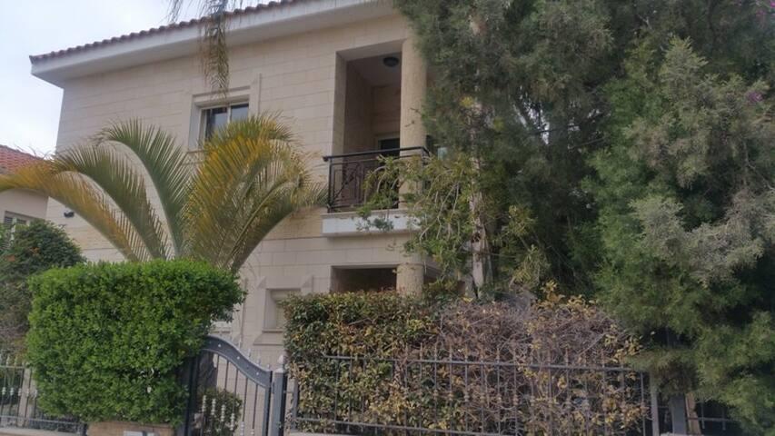 Limassol Star Four Bedroom Villa - Limassol - House