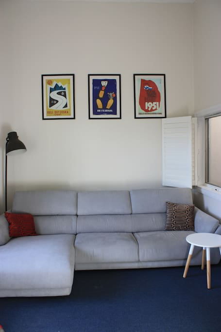 Lounge area with TV and Foxtel (Cable TV)