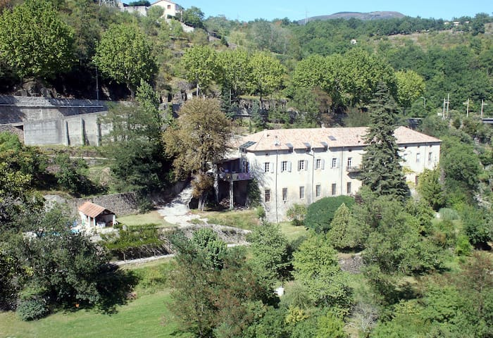 Secluded Ardèche paradise with pool & large garden
