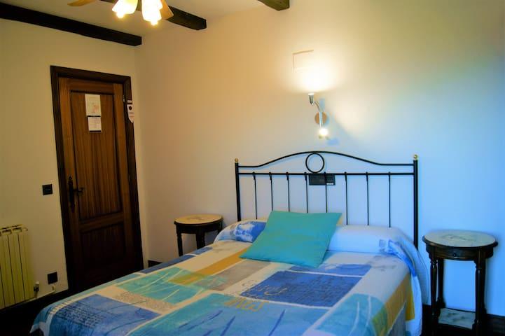 Habitación doble en Casa Rural Arboliz