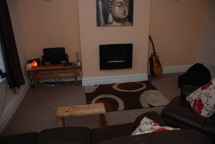 Clean, comfortable double room - Tottington