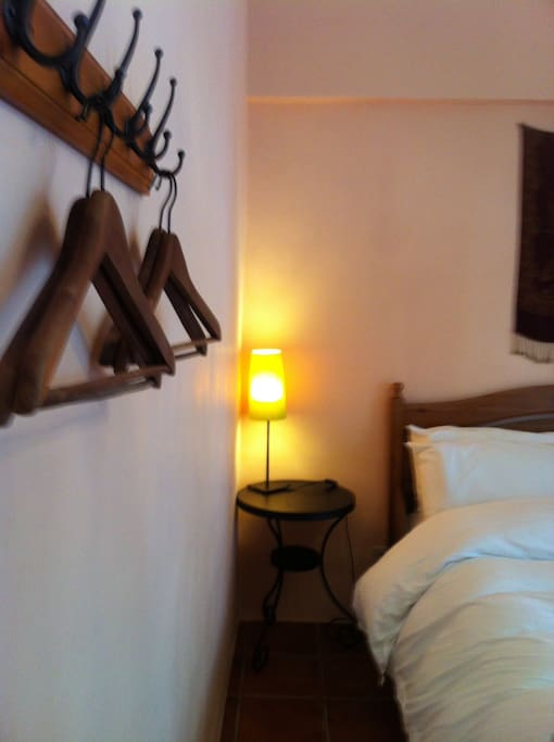 Double room A with a balcony - NT$1800 per night (雙人套房A,有陽台)
