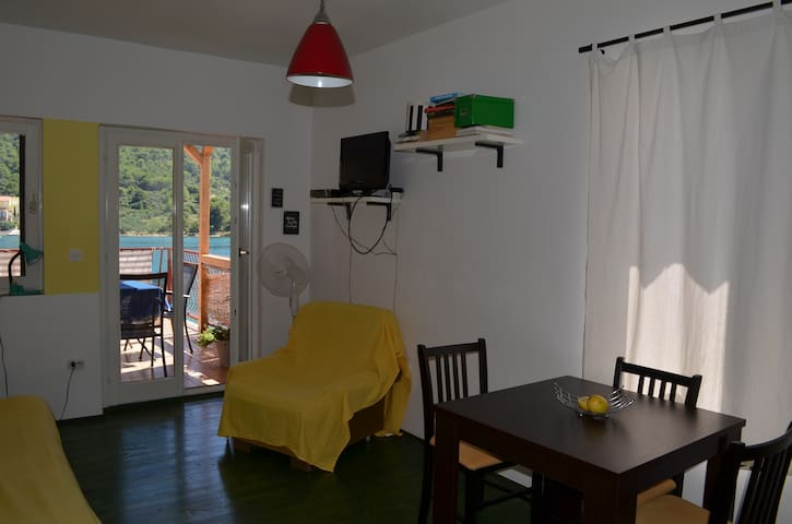 Grebaville_Charming sunny apartment by the beach - Grebaštica - 公寓