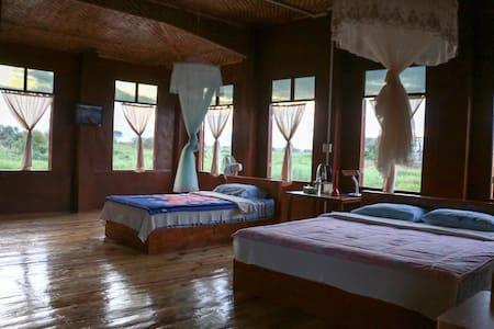 Innthar Lodge (room 3)