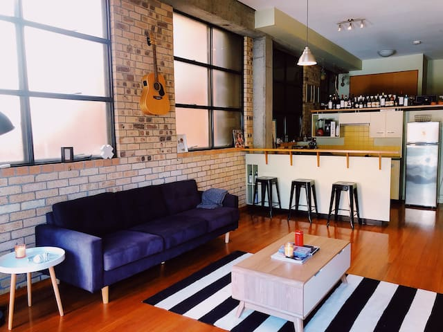 Cosy New York style Apartment in Brisbane.