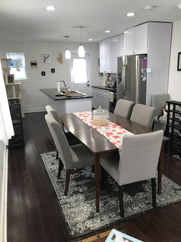 Beautiful Rooms in Updated Fishtown Home