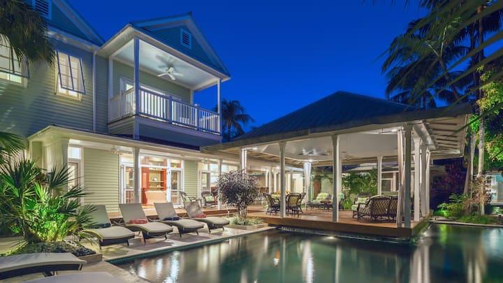 **THE ROYAL COMPOUND @ THE ANNEX** Lush Estate & Pool + LAST KEY SERVICES...