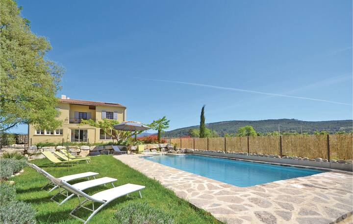 Stunning home in St Marcellin L Vaison with Outdoor swimming pool and 7 Bedrooms