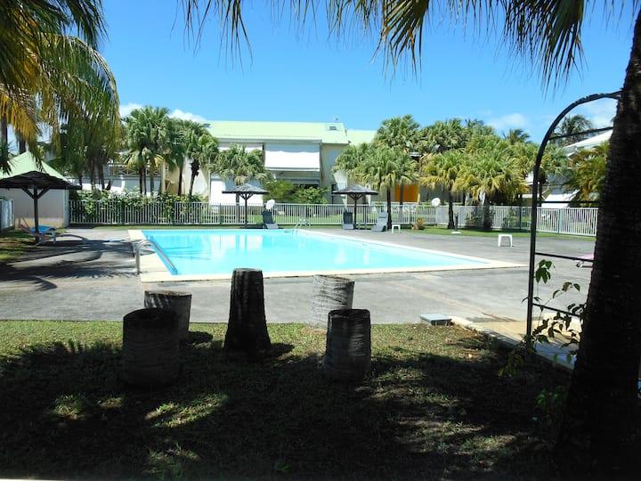Appart dans résidence avec piscine et tennis