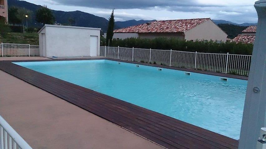 F2 à St Florent au calme avec piscine - Oletta - Apartmen