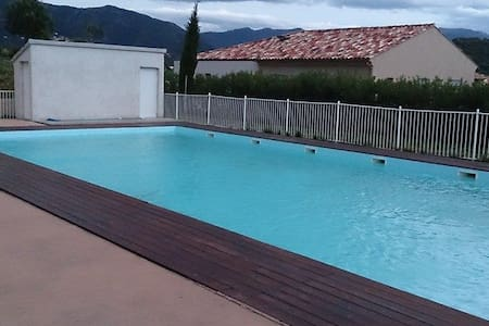 F2 à St Florent au calme avec piscine - Oletta