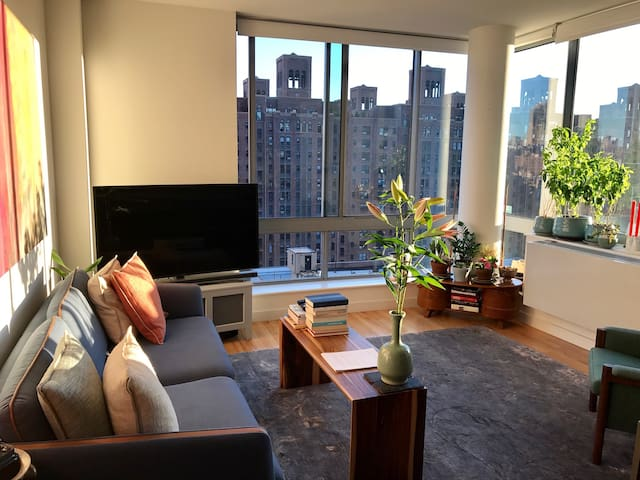 GORGEOUS WEST CHELSEA TWO BEDROOM with roof deck!