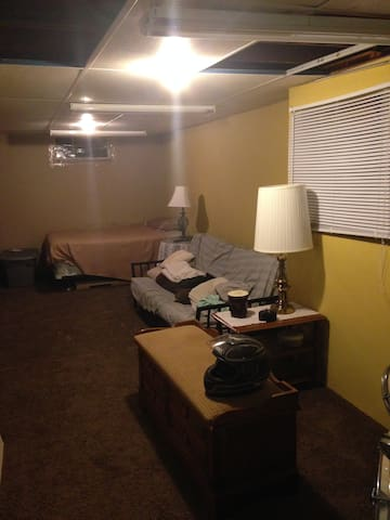 Rnc house with a room for rent $200 a night - Painesville - Hus