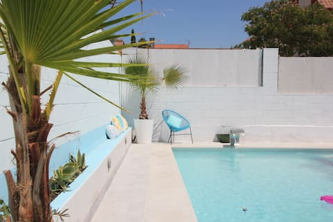 Detached house, private pool and air conditioning