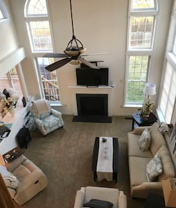 Beautiful Home in Lovely Neighborhood (Comfy Home) - Severn - Ház