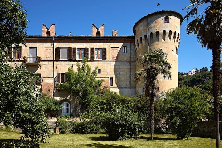 Apartment in medieval castle - Moncalieri - Lägenhet