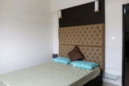 Cozy 1 BHK in yelhanka with parking - Bangalore - Pis