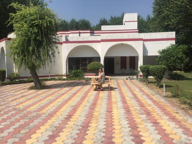 FARM STAY - Amritsar - Dům