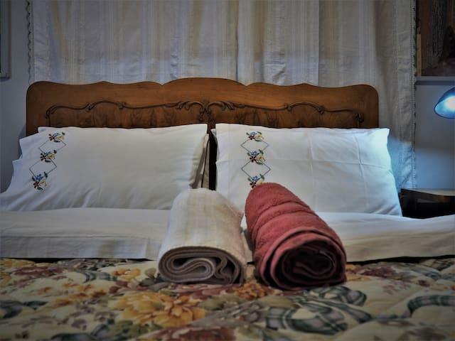 Room  in  Monastiraki  center