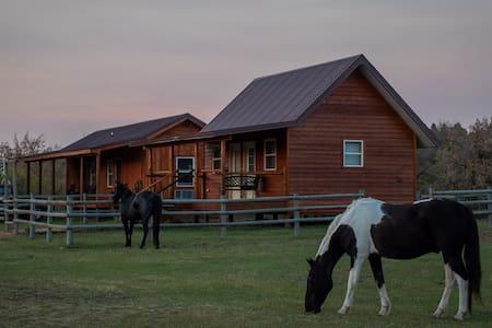 Kara Creek Ranch-2 Single Beds with Kitchenette