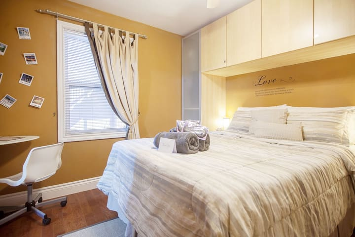 """Cosy two room apartment"" within Toronto! - Toronto - Apartment"