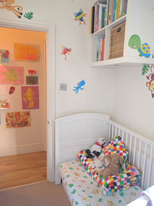 Bedroom 1 - for one baby/toddler